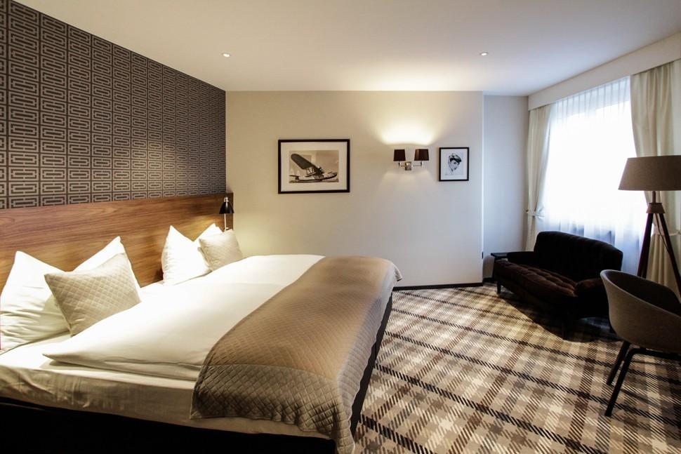Hotel City www.dyersmith-frey.com